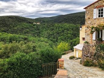 The village of Calmeilles